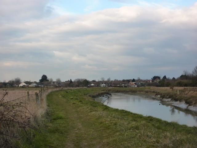 Riverside path near Upper Beeding