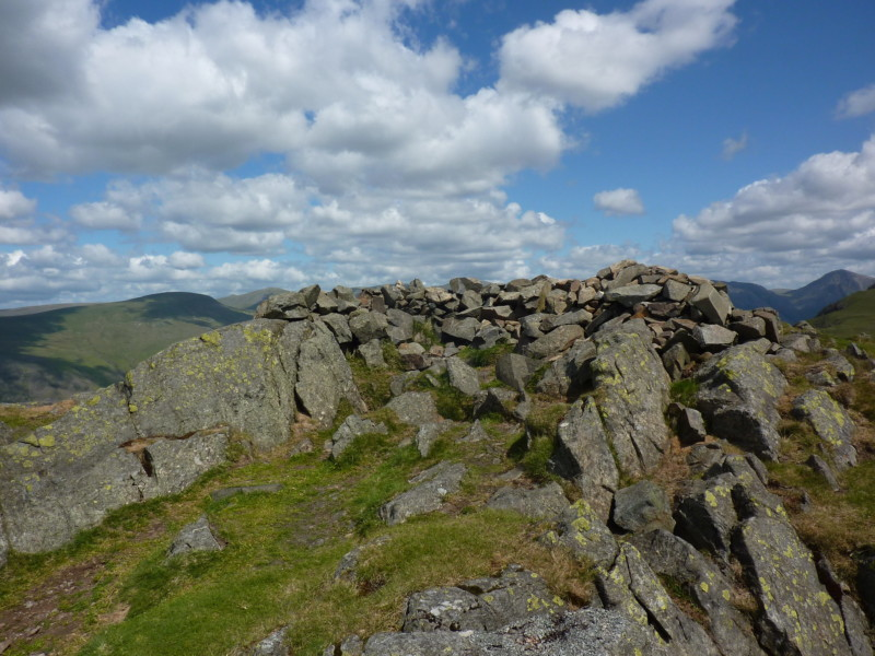 Summit cairn/shelter on Whin Rigg