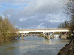 Goring and Streatley Bridge