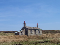 Stone building on High End Low on the Pennine Way