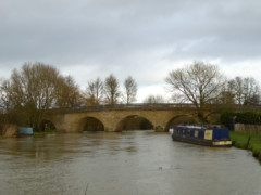Narrowboat and Swinford Bridge