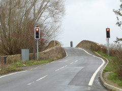 Traffic lights at Tadpole Bridge
