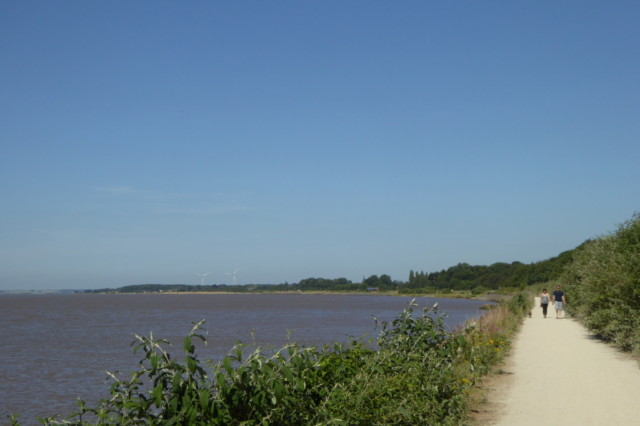 Path alongside the Humber Estuary