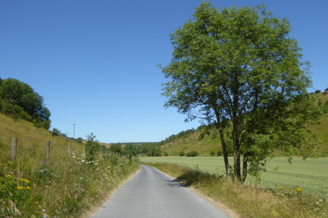 The road from Thixen Dale to Thixendale