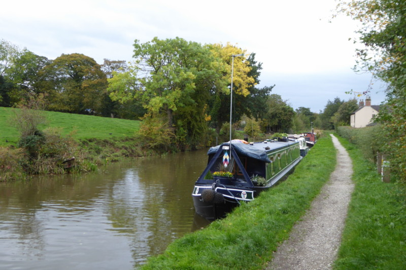 A narrowboat on the Macclesfield Canal